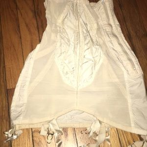 WWII era girdle Genuine Antique 4 the collector 🧐